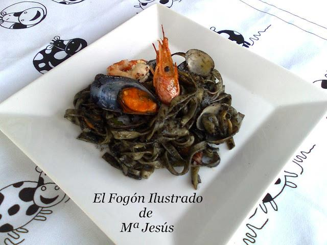 nidos-con-frutos-de-mar-y-marea-negra-1