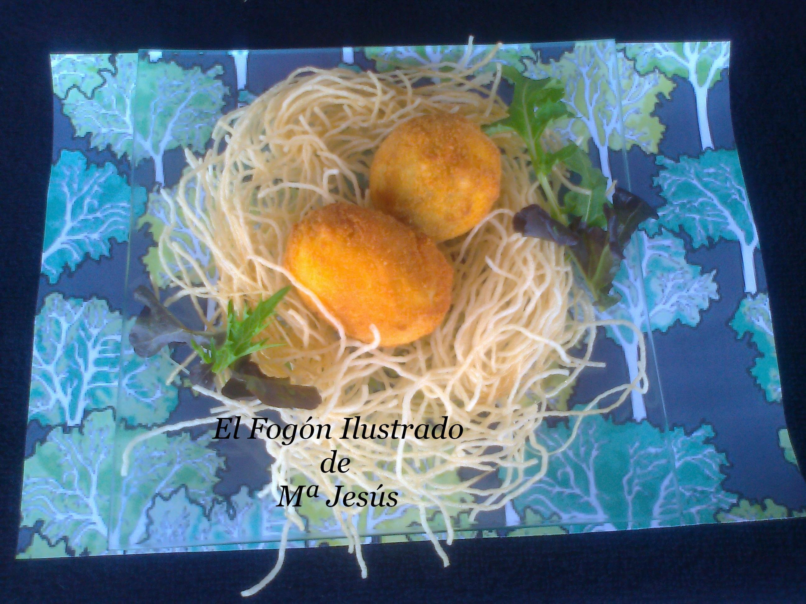 Huevos rellenos en su nido