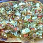 Pizza de alcachofas y bacón